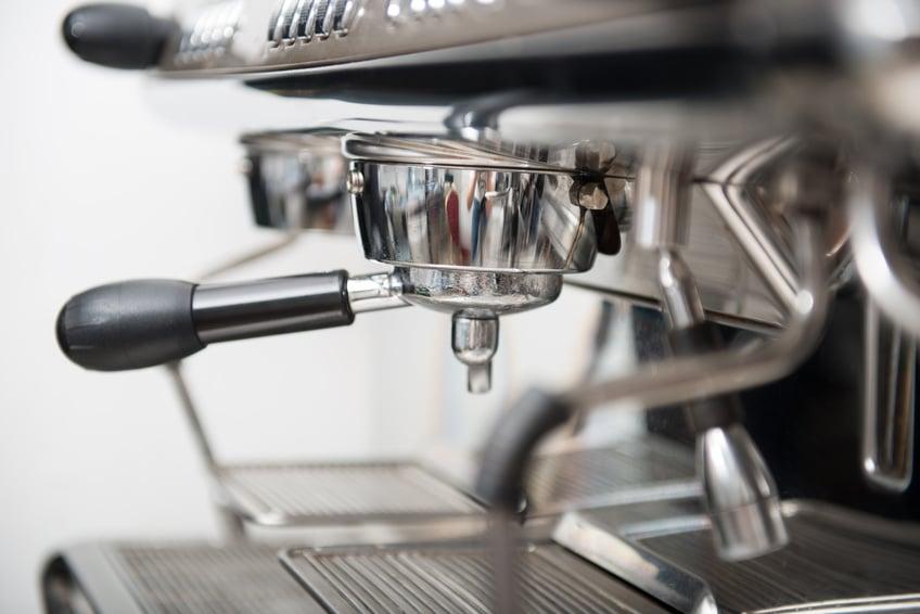 comment d sincruster du caf s ch dans une cafeti re. Black Bedroom Furniture Sets. Home Design Ideas