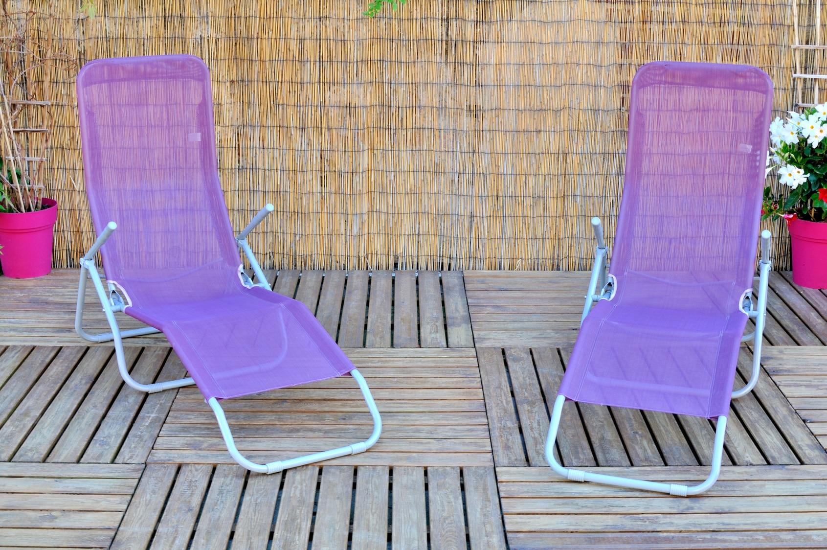 comment nettoyer votre salon de jardin les astucieux. Black Bedroom Furniture Sets. Home Design Ideas