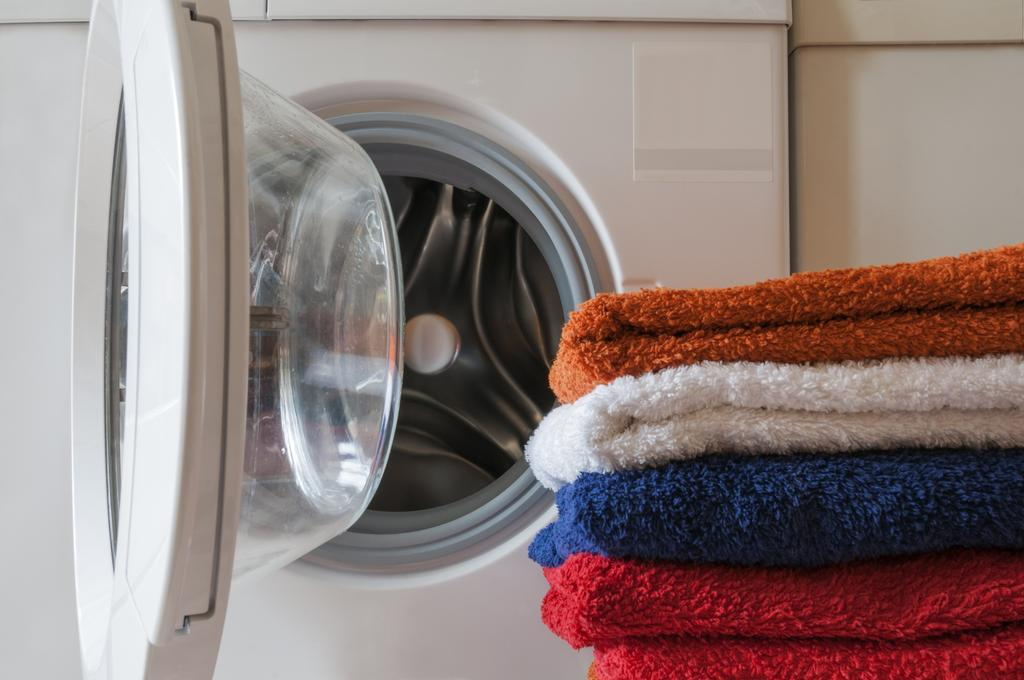 comment viter les mauvaises odeurs dans votre machine laver les astucieux. Black Bedroom Furniture Sets. Home Design Ideas