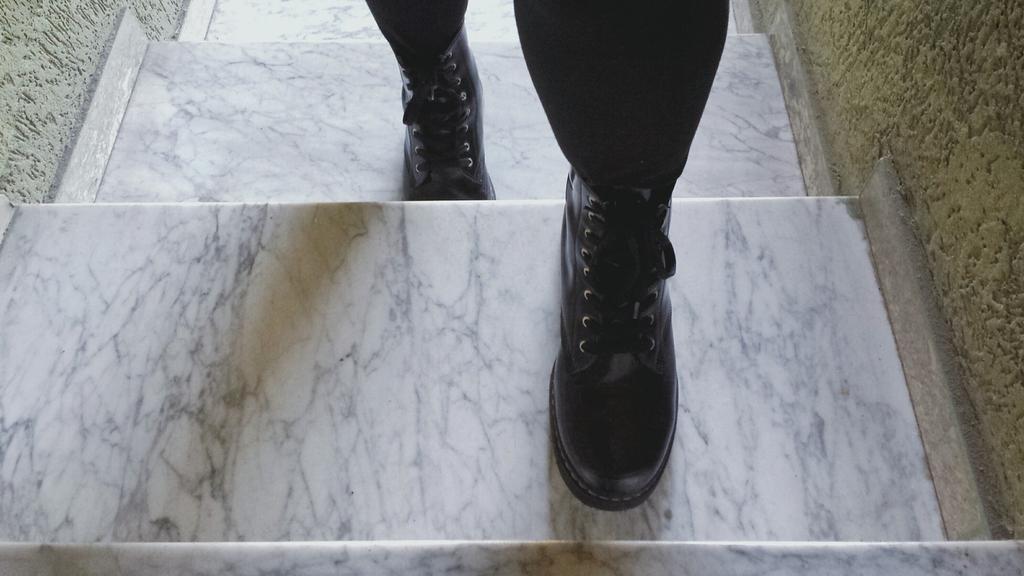 comment nettoyer des escaliers en marbre ? - les astucieux