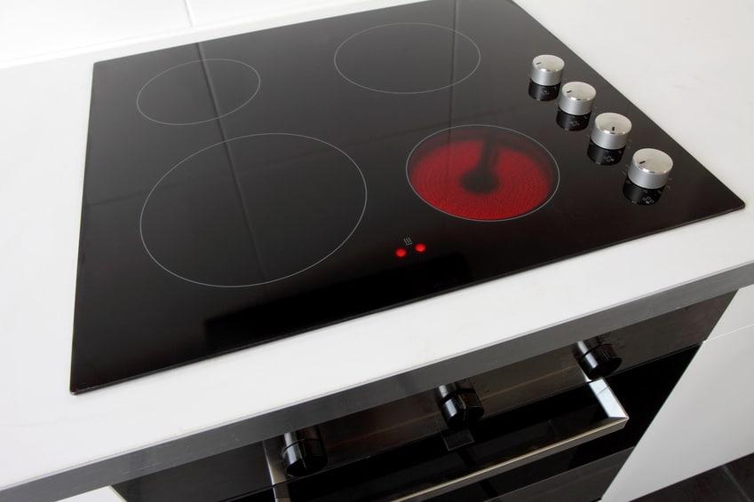 nettoyer des plaques de cuisson induction ou en. Black Bedroom Furniture Sets. Home Design Ideas